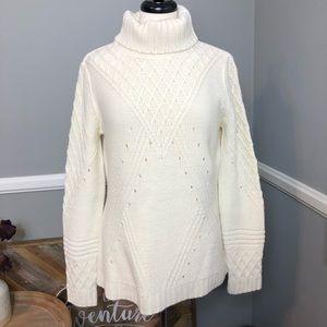 VENUS  knit turtle neck sweater with design